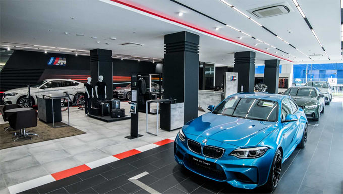 BMW M increases number of exclusive showrooms worldwide.