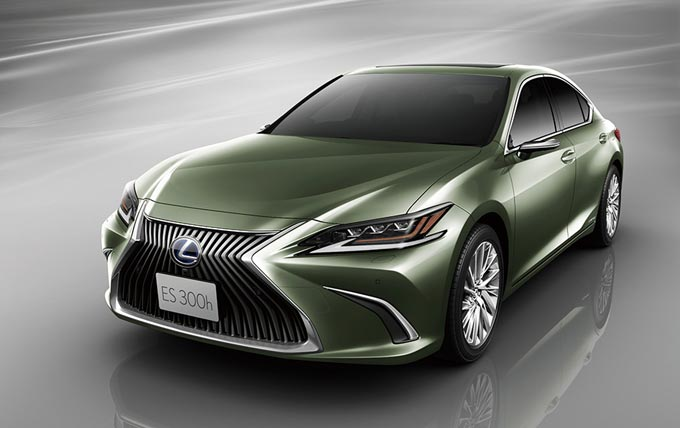 Lexus dumps traditional side mirrors