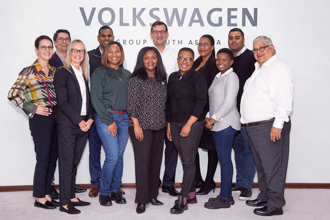 Back: Clifford Chamberlain, Vivendren Mudaly, Volkswagen Group Board Member for Human Resources Gunnar Kilian, Unathi Dyokwe, Zen Chetty. Front: Tiz Bonadei, Dr Lesley Lee, Nosisa Dinge, Ndulela Canca, Pumza Mboniswa, Siphokazi Jacobs, VWSA Human Resources Director Percy Smith.