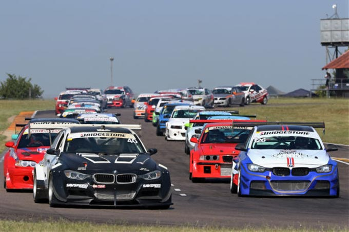 2020 Bridgestone BMW Club Racing Series gets off to a flying start