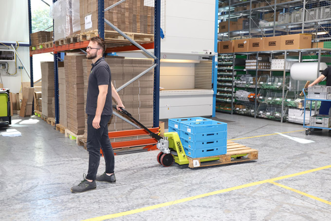 Clark launches two new hand pallet trucks