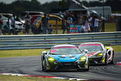 First British GT victory of 2018 for Osborne as McLaren 570S GT4 scores wins and podiums at Snetterton