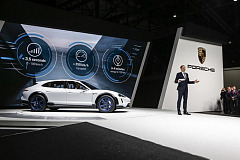Porsche Mission E Cross Turismo: The electric high-performer  for an active lifestyle