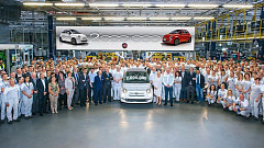 The Two Millionth Fiat 500 Rolls Off The Line