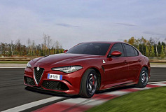 Alfa Romeo Giulia wins two categories at