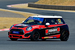 Mighty MINI battle in prospect as Signature Motorsport goes coastal